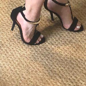 Uterque black suede open toe heels